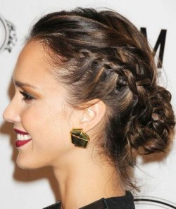 Fashionable Hairstyle Ideas For Summer Wedding Guest31