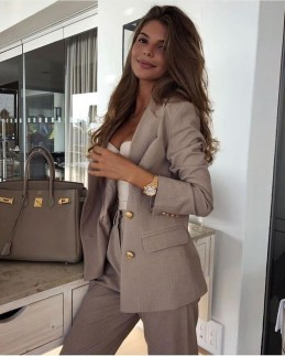 Fashionable Work Outfit Ideas To Try Now30