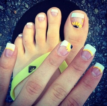 Gorgeous Nail Designs Ideas In Summer For Women28