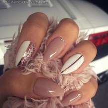 Gorgeous Nail Designs Ideas In Summer For Women40