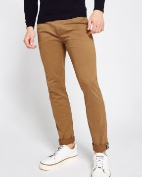 Outstanding Mens Chinos Outfit Ideas For Casual Style06