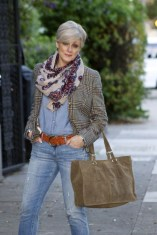 Pretty Styles Ideas For 50 Year Old Woman08