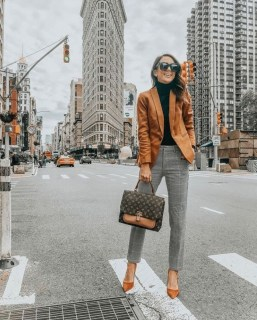 Stylish Outfits Ideas For Professional Women01