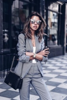 Stylish Outfits Ideas For Professional Women33