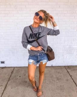 Affordable Women Outfit Ideas For Summer With Sweaters02
