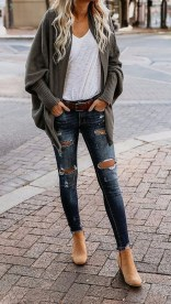 Affordable Women Outfit Ideas For Summer With Sweaters07
