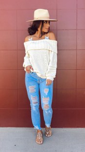 Affordable Women Outfit Ideas For Summer With Sweaters44