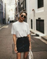 Charming Minimalist Outfits Ideas To Inspire Your Style04