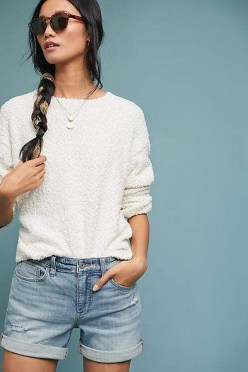 Charming Minimalist Outfits Ideas To Inspire Your Style07