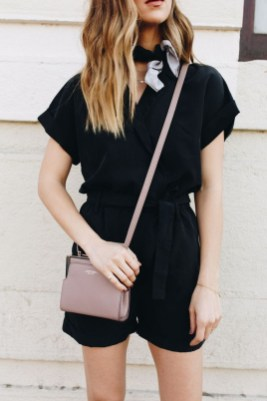 Charming Minimalist Outfits Ideas To Inspire Your Style15