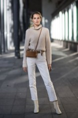 Charming Minimalist Outfits Ideas To Inspire Your Style23