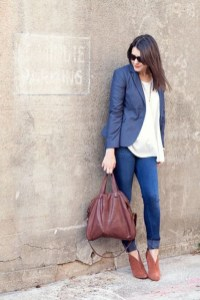 Charming Winter Outfits Ideas To Go To Office12