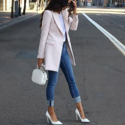 Charming Winter Outfits Ideas To Go To Office20