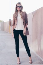 Charming Winter Outfits Ideas To Go To Office31