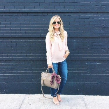 Charming Winter Outfits Ideas To Go To Office33