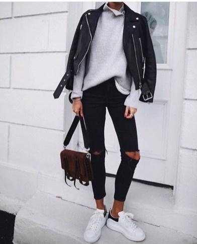 Elegant Winter Outfits Ideas For Men10