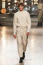 Elegant Winter Outfits Ideas For Men14