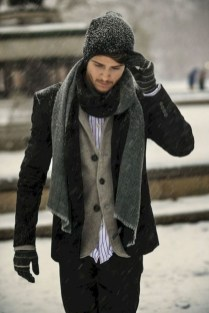 Elegant Winter Outfits Ideas For Men20