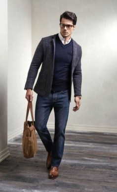 Elegant Winter Outfits Ideas For Men27