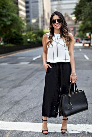 Fabulous Summer Work Outfits Ideas For Women07