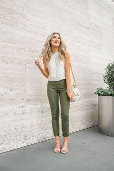 Fabulous Summer Work Outfits Ideas For Women12