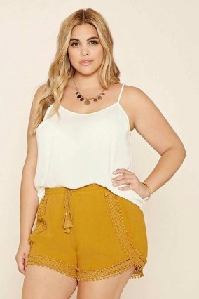 Trendy Plus Sized Style Ideas For Women09