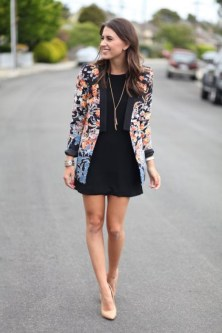Cozy Combinations Ideas With Floral Blazers You Must Try02