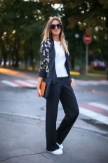 Cozy Combinations Ideas With Floral Blazers You Must Try04