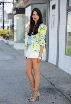 Cozy Combinations Ideas With Floral Blazers You Must Try09