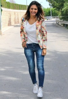 Cozy Combinations Ideas With Floral Blazers You Must Try14