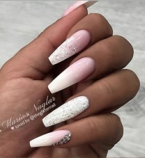 Fashionable Pink And White Nails Designs Ideas You Wish To Try29