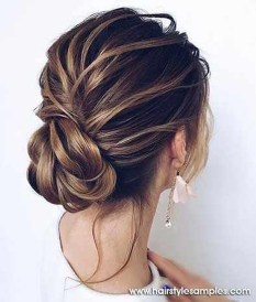 Gorgeous Prom Hairstyles Ideas For Women You Must Try22
