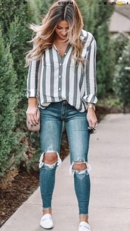 Hottest Women Summer Outfits Ideas With Ripped Jeans To Try06