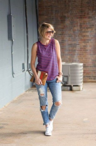 Hottest Women Summer Outfits Ideas With Ripped Jeans To Try07