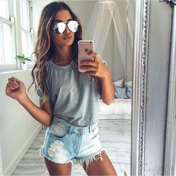 Hottest Women Summer Outfits Ideas With Ripped Jeans To Try36