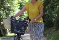Inspiring Spring And Summer Outfits Ideas For Women Over 4036