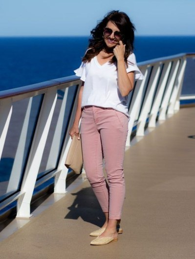 Inspiring Spring And Summer Outfits Ideas For Women Over 4042