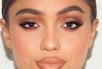 Magnificient Makeup Ideas For Beginner To Try This Year37