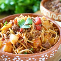 Fideo con Carne and Papas