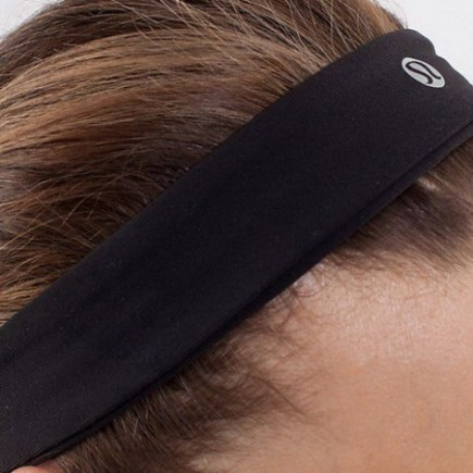 lululemon-factory-outlet-fly-away-tamer-headband-black-0-500x500
