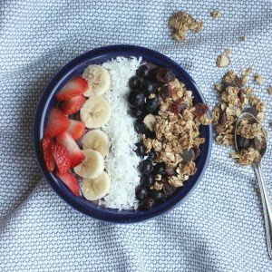 How To Make An Acai Bowl + My Favorite Toppings