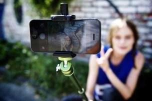 Der Rollei Selfie Stick mit Kugelgelenk (Quelle: Rollei)