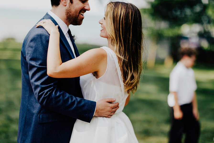 lake-erie-airbnb-backyard-wedding-cleveland-ohio-056