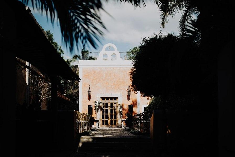 destination-wedding-photographer-la-hacienda-xcanatun-merida-mexico-073.jpg