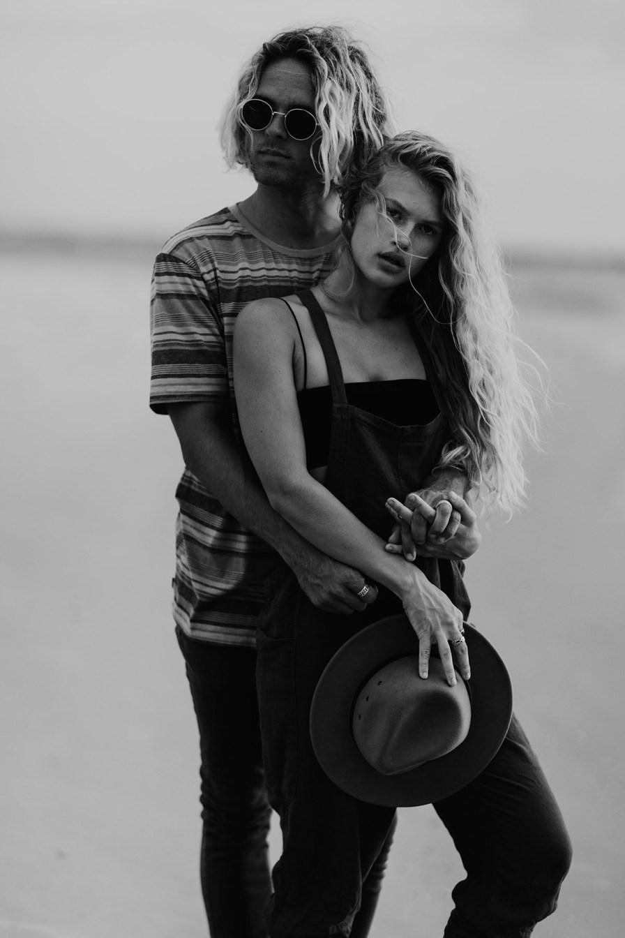 wilmington-beach-north-carolina-photographer-surfer-couple-004.jpg
