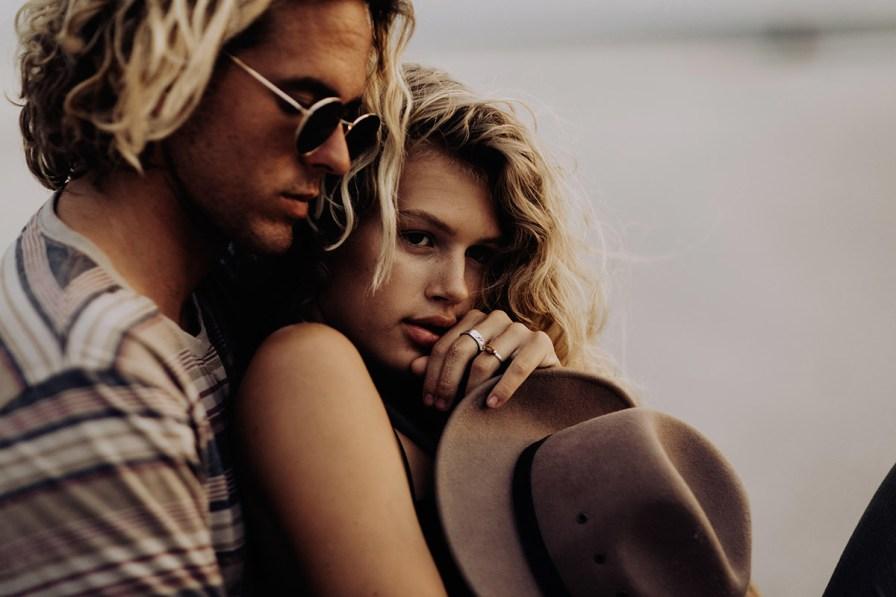 wilmington-beach-north-carolina-photographer-surfer-couple-016.jpg