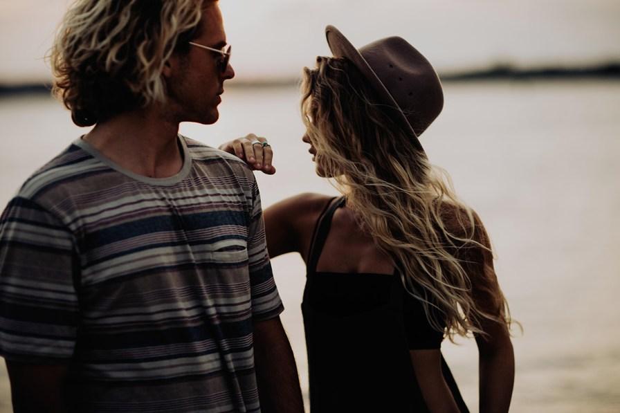 wilmington-beach-north-carolina-photographer-surfer-couple-028.jpg