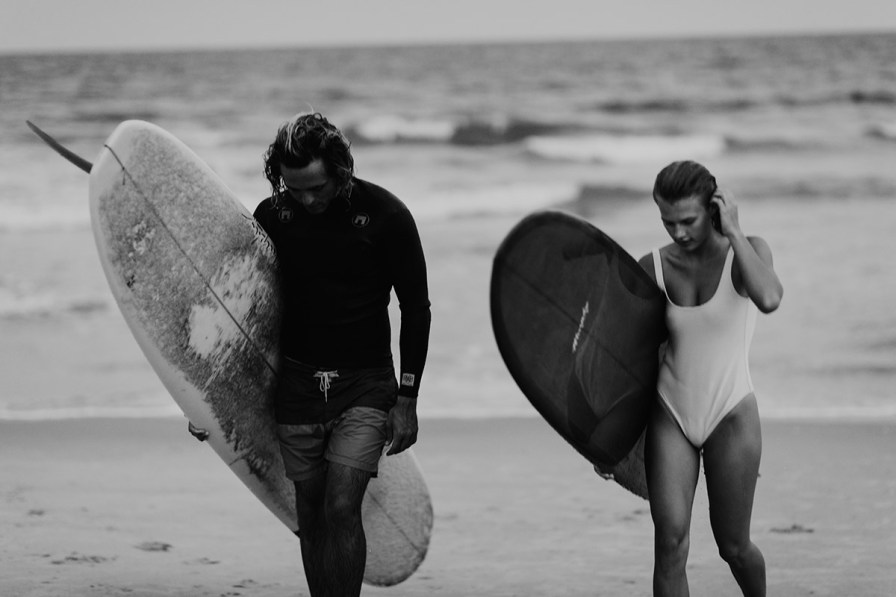wilmington-beach-north-carolina-photographer-surfer-couple-044.jpg