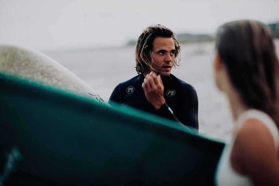 wilmington-beach-north-carolina-photographer-surfer-couple-045.jpg