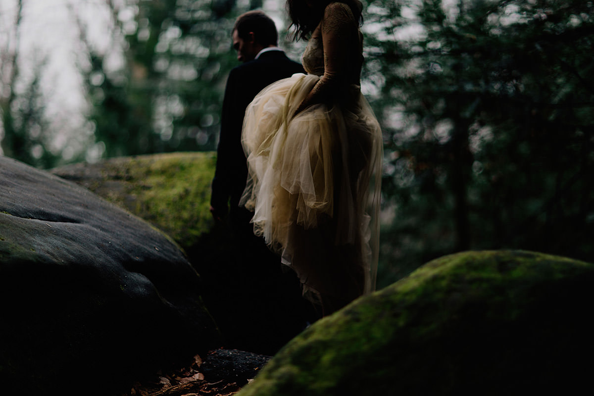 elopement-photographer-seattle-girl-bride-hiking